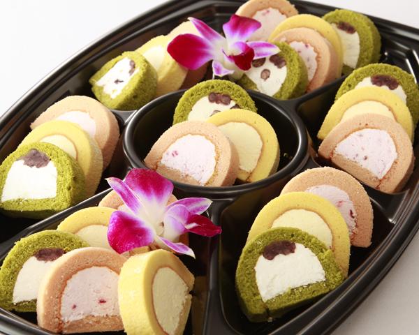 3種のロールケーキ画像