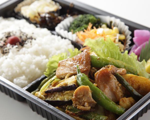 鶏肉と野菜のカレー炒め弁当画像