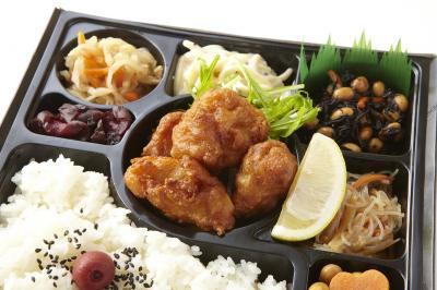 鶏唐揚げと6種の惣菜幕の内弁当画像