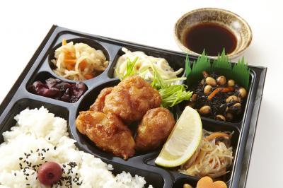 鶏唐揚げポン酢と6種の惣菜幕の内弁当画像