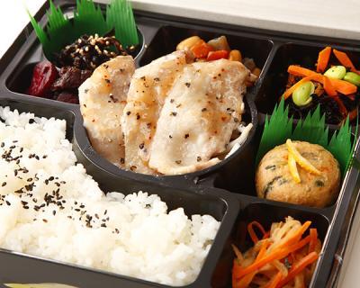 豚生姜焼きと6種の惣菜幕の内弁当画像